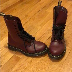 Doc Martens Boots US 5 Never Worn